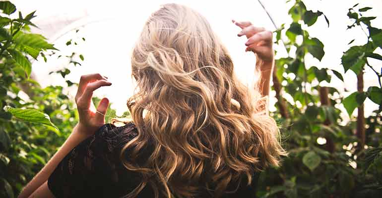 beach waves hair style