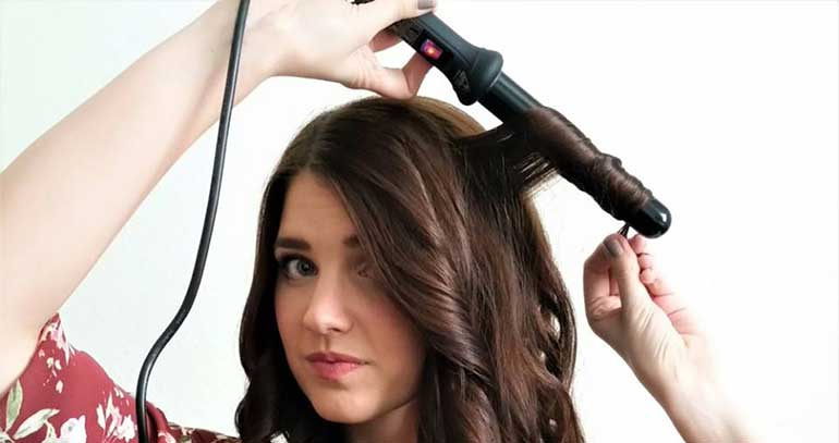 girl with nume wand